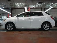 2014 Toyota Matrix AIR CONDITIONED AND SUNROOF