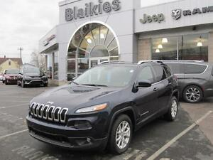 2014 Jeep Cherokee North | HEATED SEATS | BACK UP CAMERA | Uconn