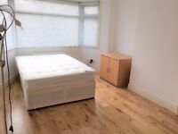 - Criklewood/Brent Cross - Huge Double Room in a Quality House, Garden, Terrace