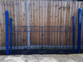 Tradional garden / driveway gates with large posts ,newly painted,metal,blue,great condition