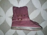 £5 Next ankle boots size 2 burgundy biker