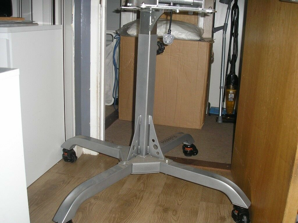 Caddie stand for the Stahls Maxx and Sprint presses