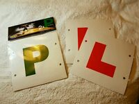 Pack of 2 P plates and 2 L plates