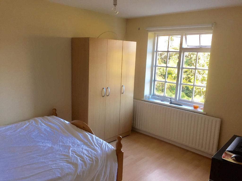 Bright double bedroom Winchmore Hill £600 per month incl all bills