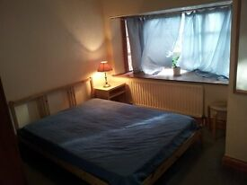 Double Room in Acton Town