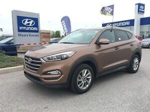 2016 Hyundai Tucson Premium 2.0 HEATED FRONT AND BACK SEATS