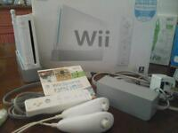 Nintendo Wii, Wii fit, Wii sports, sports pack, Wii boogie and 5 games
