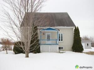 94 000$ - Maison à un étage et demi à St-Pierre-Les-Becquets