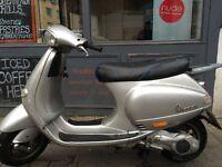 Piaggio Vespa ET4 125cc (Silver) 2000 Good Condition