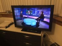 Sony Bravia 32in tv with free view and remote in excellent condition.