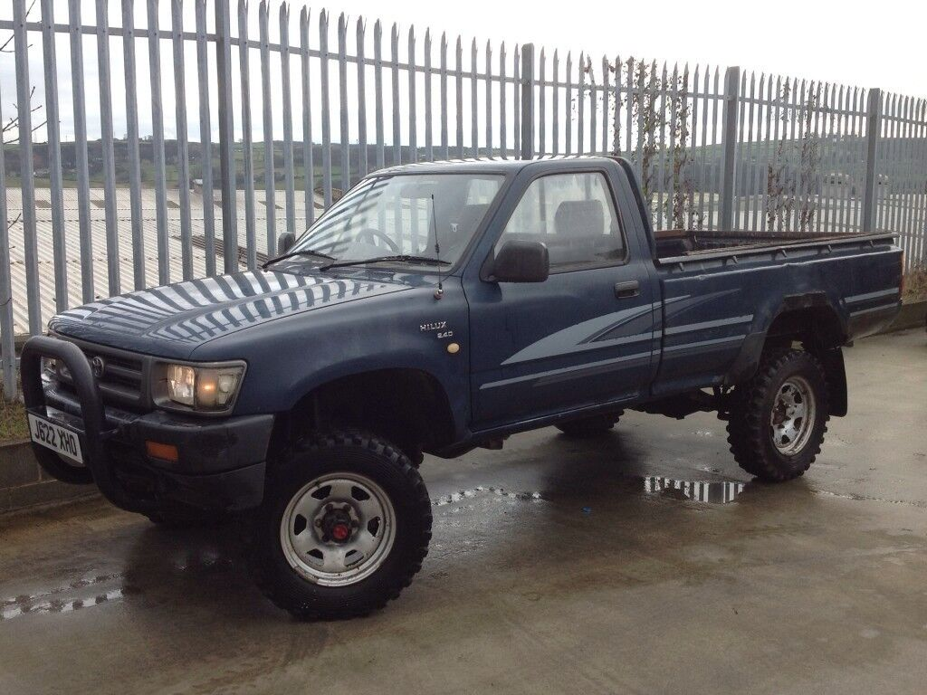 toyota hilux single cab (s/c) 4x4 2.5 diesel manual blue