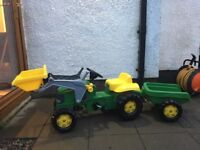 John Deere - Ride On Tractor with Front Loading Bucket & Trailer