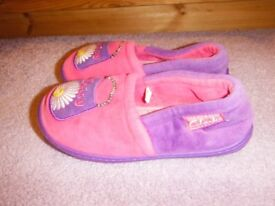 Clarks Daisy Pets Slippers Size 11F Good Condition
