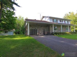 419 000$ - Maison 2 étages à vendre à Bedford