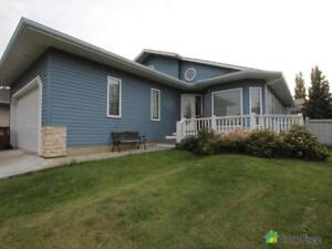 $429,300 - Split Level for sale in St. Albert