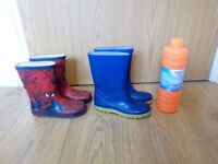 2 Kids Wellies + 1ltr bubble solution for 3£