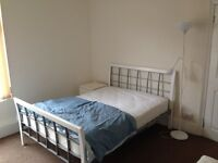 F/F DOUBLE ROOM £300pm ALL BILLS+WIFI INCLUDED!! NO DEPOSIT REQUIRED!!