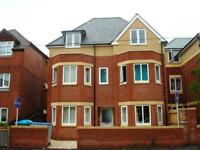 2 bedroom flat in 85 Bullar Road, Bitterne Park, Southampton