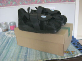 Womens / Size 8 to 10.5 Brand New Orthopaedic Shoes Darco APB