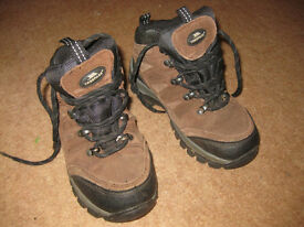 TRESPASS WALKING BOOTS size 12 (UK) - IMMACULATE CONDITION - hardly used - BARGAIN