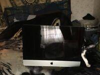 """21"""" iMac 2011, quad core i5, 12GB RAM, 500GB HD, + Apple magic keyboard + mouse"""