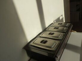 Phillips hostess heated tray with 4 glass oven proof dishes