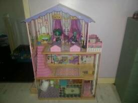 Dolls mansion(RRP 120)