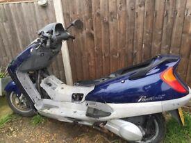 Honda pantheon 125 fes 125 / 2 stroke 1671 miles / non runner/ incomplete / £ 120