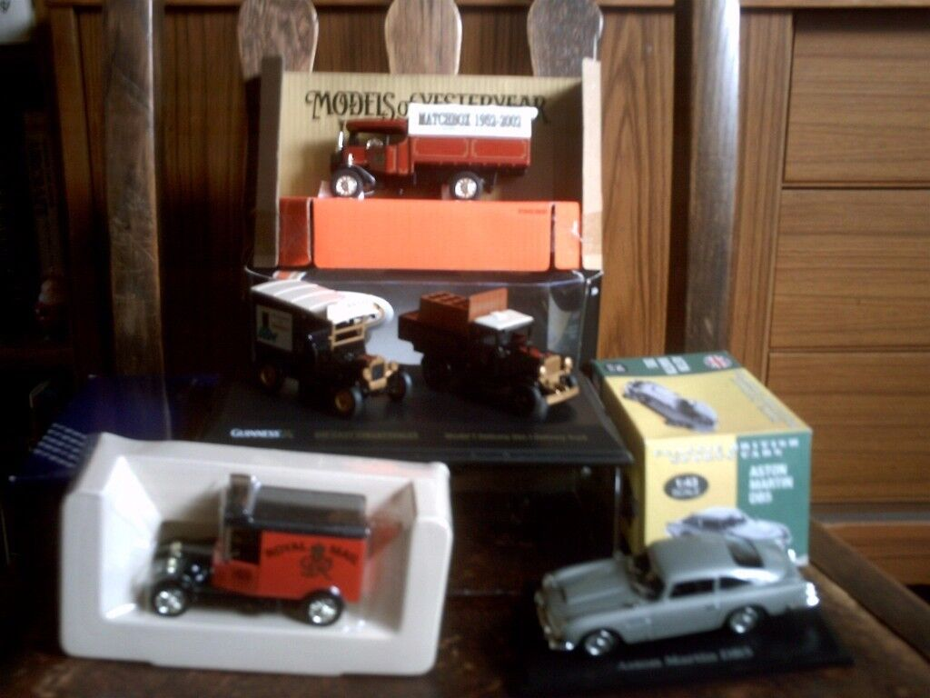 SMALL MODEL COLLECTION
