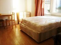 Turnpike Lane, N8 0BB-Very Nice Newly Decorated Studio Flat-Great Value!