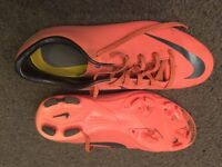 Uk size 5.5 PINK Nike Mercurial Boys football boots