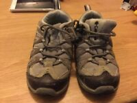 Columbia childrens outdoor walking shoes Size 7.5