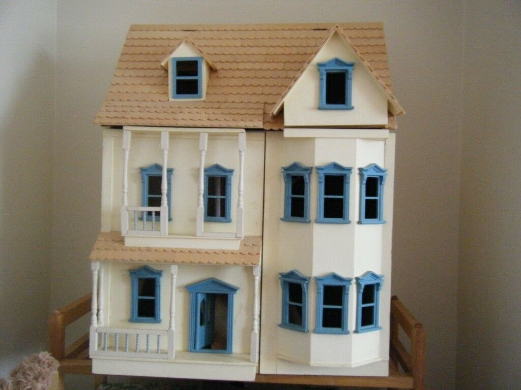 large wooden dolls house with painted finish 3 floors 6. Black Bedroom Furniture Sets. Home Design Ideas