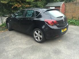 Vauxhall Astra 2011 black 1.6 petrol for sale