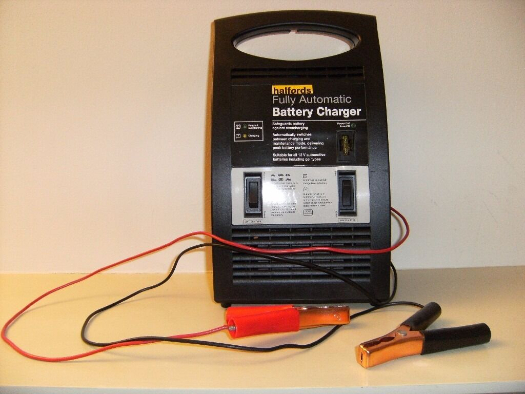 Delayed luggage car battery charger