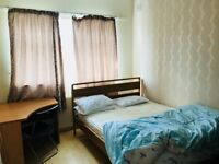 Double bed big size room - 3 mins walk from Ruislip Manor station