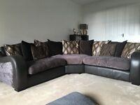 Ecxellent condition Corner Suite, Brown/Gold leather trim