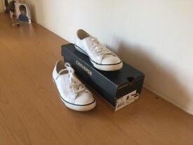 White leather converse trainers size 4.