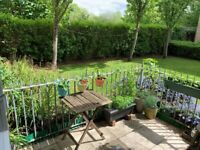 AMAZING ONE BED FLAT WITH PRIVATE GARDEN - CALL RICCARDO NOW!!