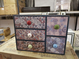 Old style small jewellery box