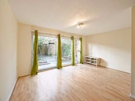 3 bedroom maisonette to rent Redhill Court - NO FEES