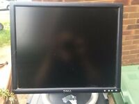 "Dell Monitor - 19"" UltraSharp 1905FP Flat Panel LCD Monitor with DVI/VGA/USB Connectors"