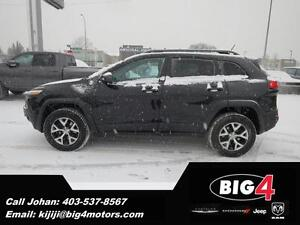 2014 Jeep Cherokee Trailhawk, Pano roof, adapt. cruise,  LOADED!