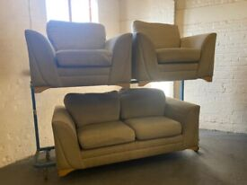 DFS FABRIC SOFA SET IN EXCELLENT CONDITION 3-1-1 SET 3 PIECE SUITE VERY NICE COMFY