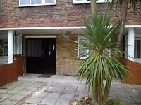 4 double bedroom 3 bathroom, 2 reception flat Wandsworth/ Stockwell with garden.