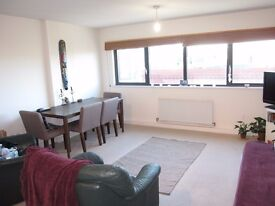 LOCATION LOCATION LOCATION GREAT 1 BED APARTMENT SECONDS FROM CALEDONIAN TUBE N7
