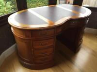 ANTIQUE SOLID MAHOGANY WOOD WOODEN RARE KIDNEY SHAPE LEATHER TOP OFFICE STUDY ROOM DESK WITH DRAWERS
