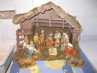Weihnachtsgrippe aus Holz mit Figuren aus Kunststoff Hessen - Dreieich Vorschau
