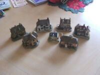 Model/miniature cottages & houses - collection of 7 items