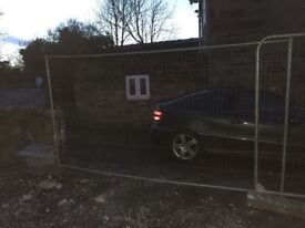 Block and mesh panels x 2 with 3 concrete feet free just collect